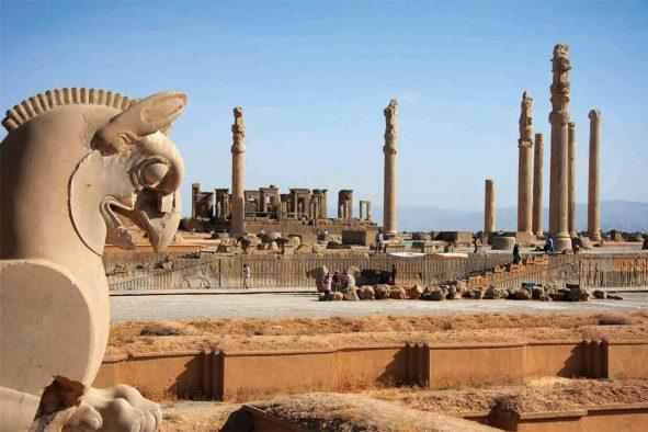 Persepolis & Naghsh-e- Rostam Tour