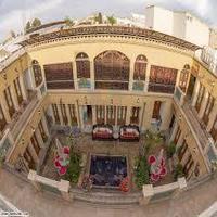 Tolou Khorshid Traditional Hotel